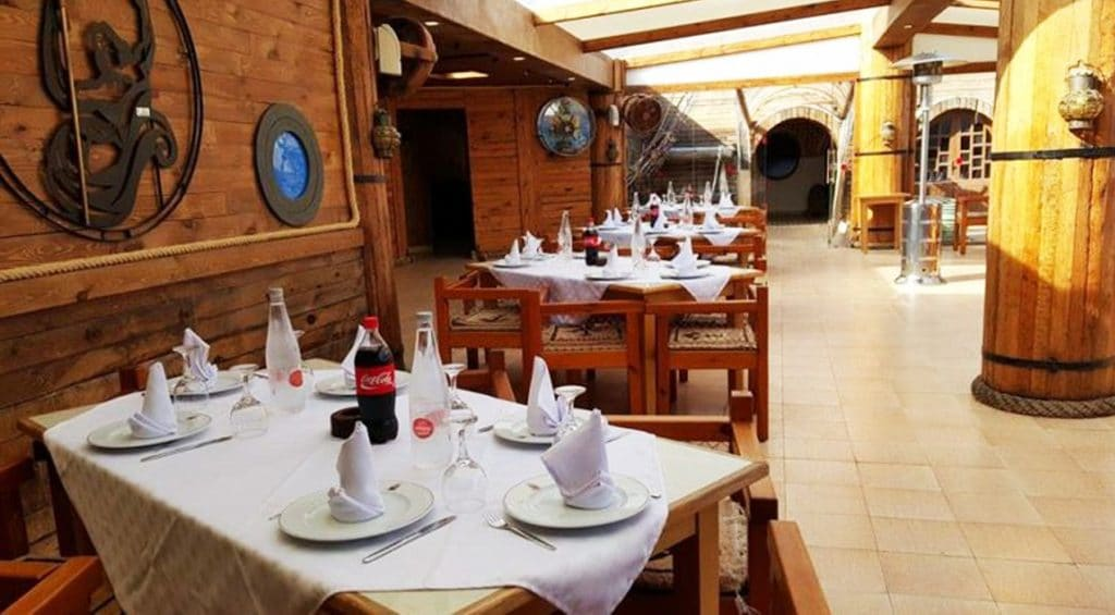 Go to have a feast at the Pirate restaurant
