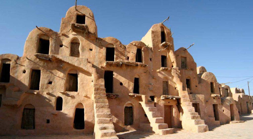 A l'intérieur du grenier fortifié de Ksar Ouled Soltane